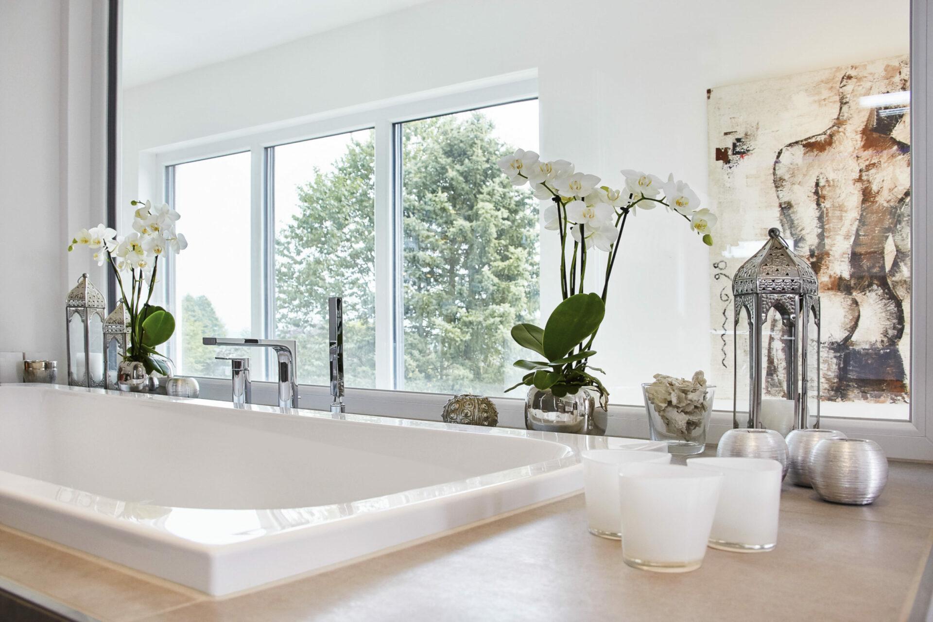 Badezimmer mit Blick in die Galerie