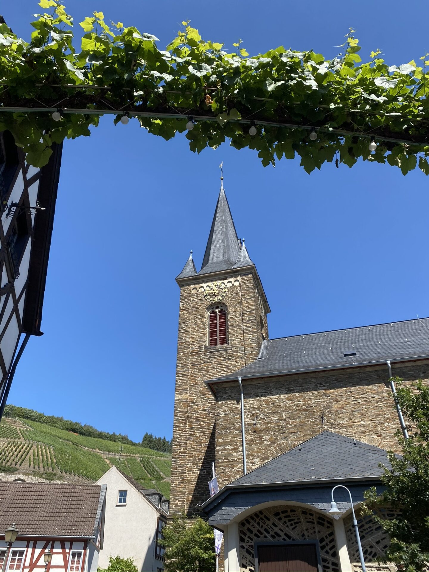 Kirche Dernau
