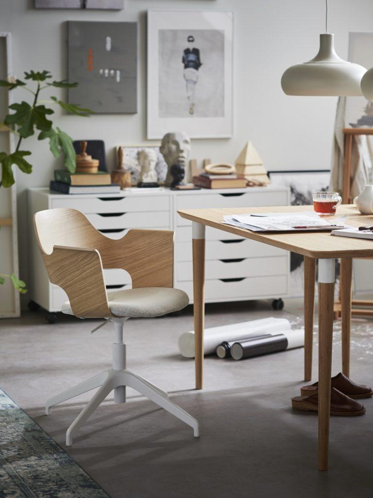 schöner Schreibtischstuhl von IKEA