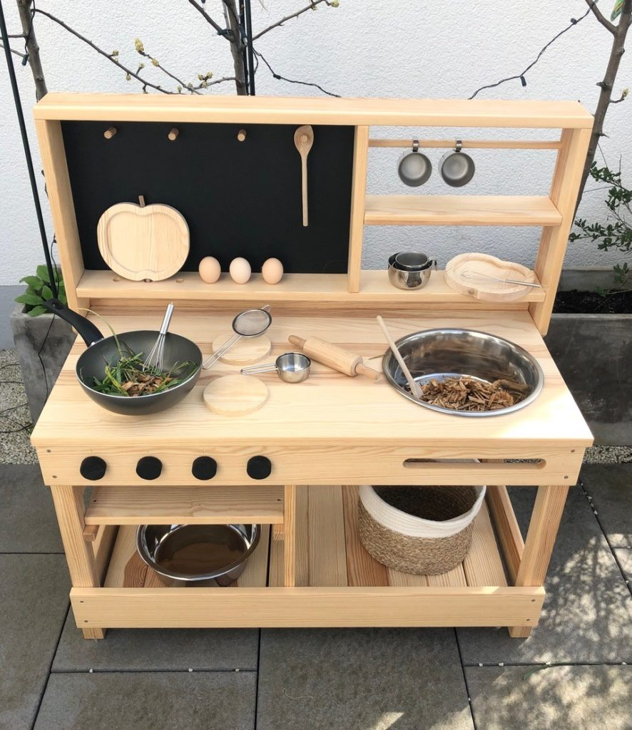 Matschküche für Kinder aus Holz