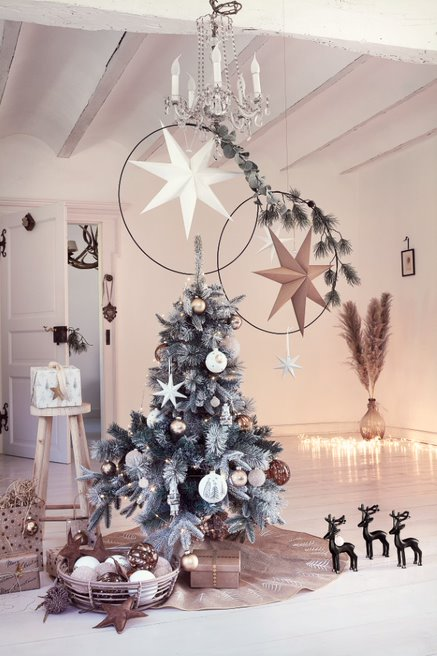 Weihnachtsbaum dekoriert DEPOT