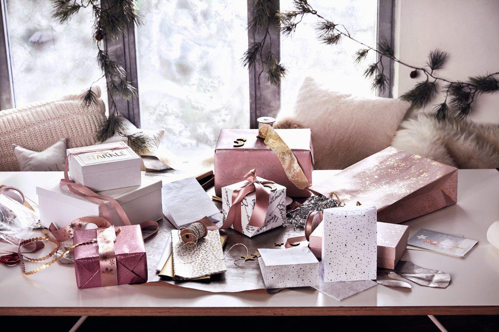 Rosafarbene Geschenke zu Weihnachten