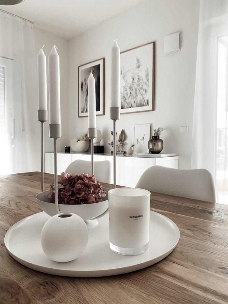 kik Kerzenhalter mit Hortensie als Esstischdeko