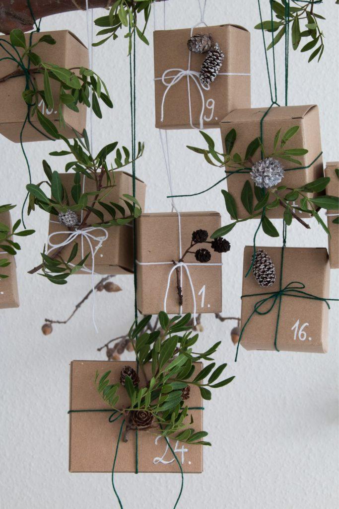Kleine Päckchen dekorieren für Adventskalender