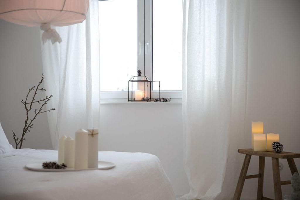 Schlafzimmer gemütlich einrichten mit Kerzen