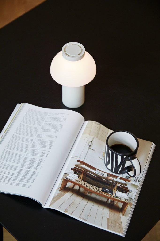 Weiße Lampe von Hay