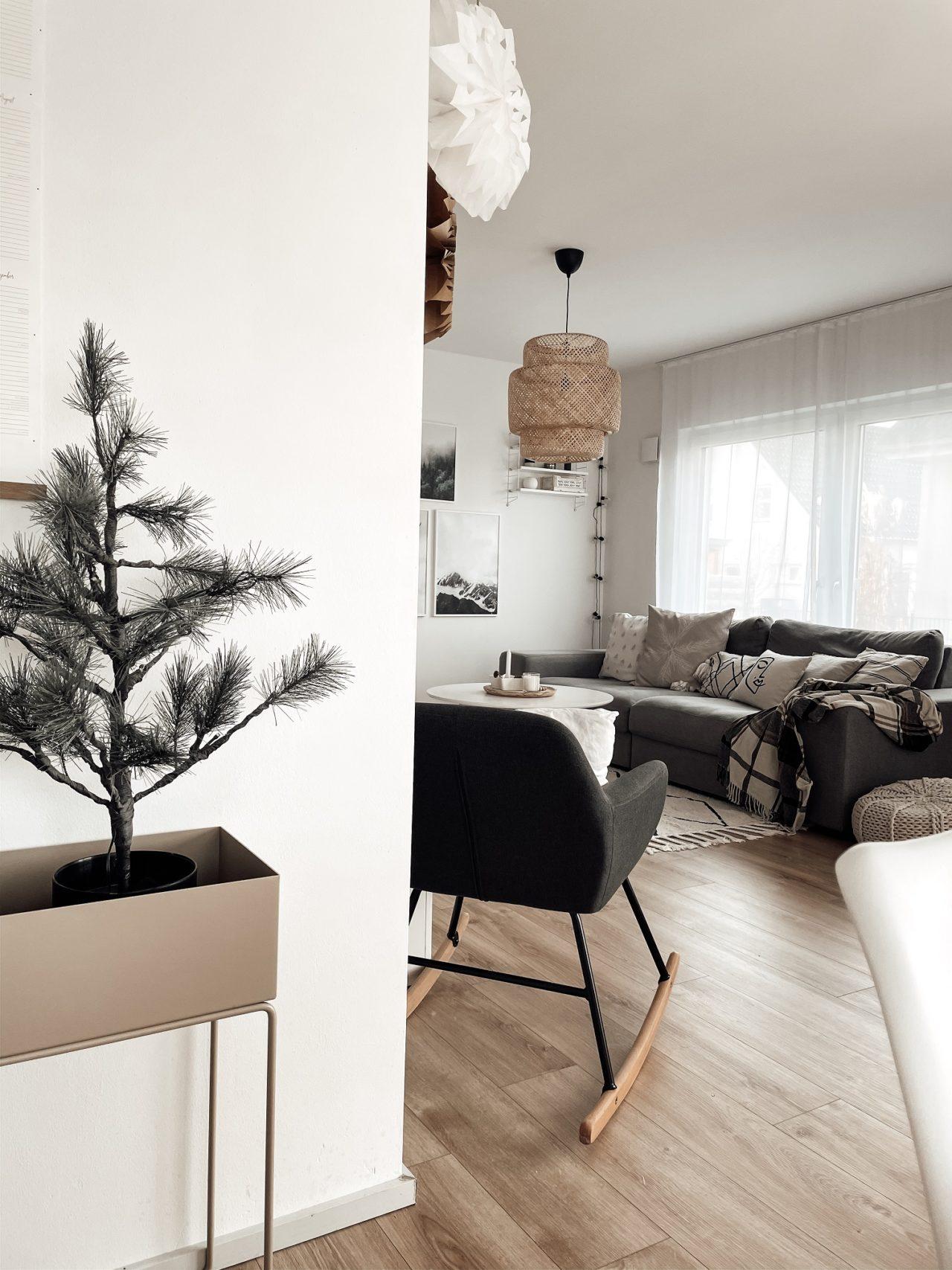 Weihnachtsdeko offener Wohn-und Essbereich kern-Haus Vero