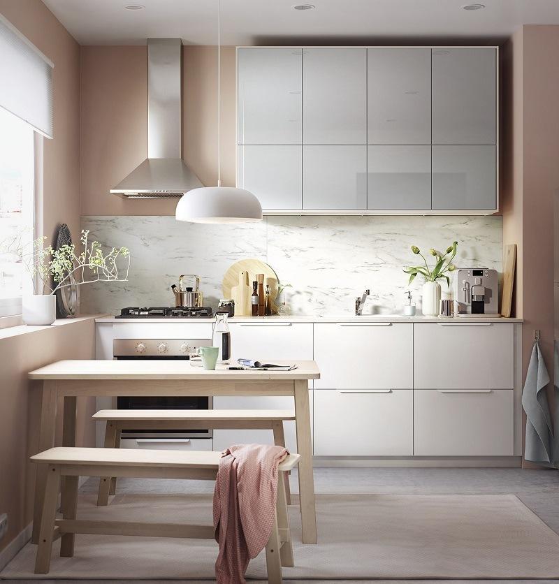 Weiße Küche von IKEA