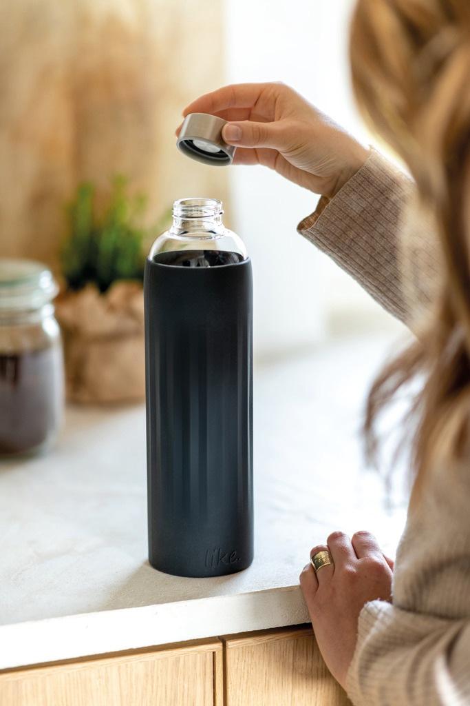 Trinkflasche Glas mit Schwarzer Ummantelung
