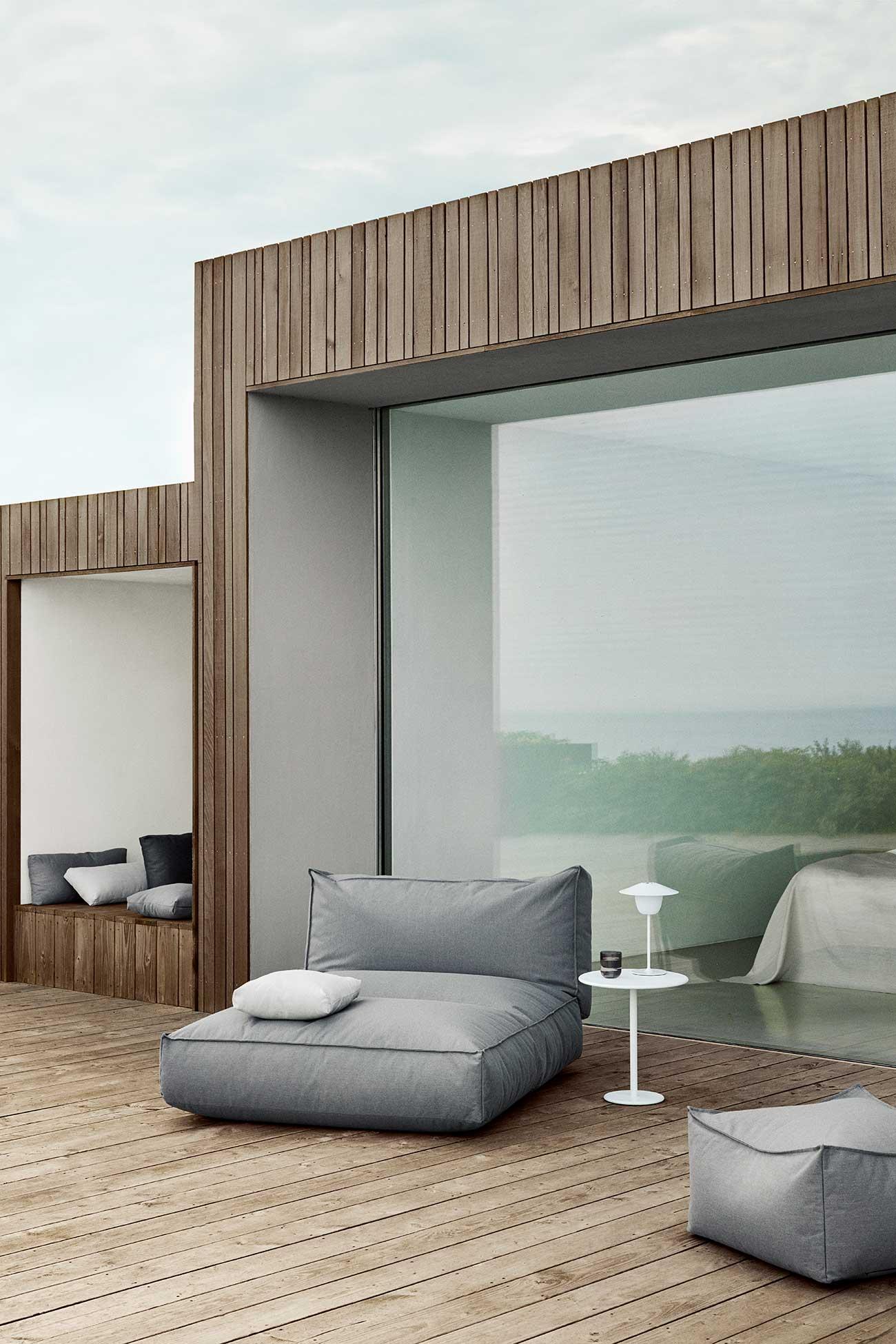 Daybett von Blomus auf der Terrasse